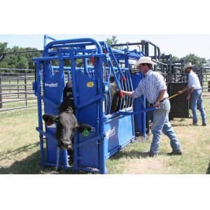 Priefert Squeeze Chutes  - safer handling for stock, farmers and vets!