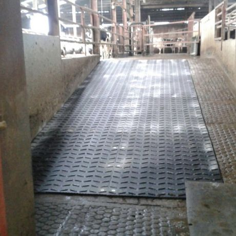 Monta mats for sloping surfaces